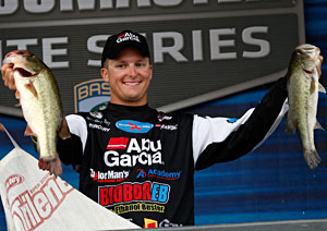 Bradley Roy leads the Bassmaster Elite Series on Wheeler Lake with 50-5 after day 3