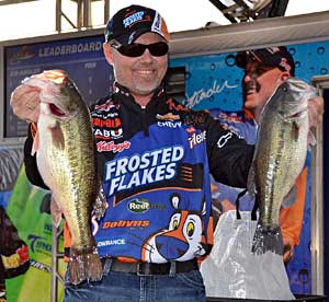 Kellogg's Frosted Flakes pro Dave Lefebre leads day one at the Beaver Lake FLW Tour event with five bass weighing 16 pounds 4 ounces