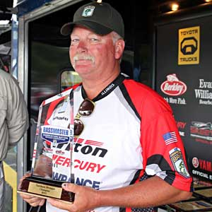 Illinois Federation Nation team member Greg Heindselman won the overall individual finish at the Northern Divisional September 12, 2011 on the Fort Madison pool of the Mississippi River