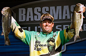 J. Todd Tucker holds down 2nd place at the Power-Pole Citrus Slam on the St. Johns River