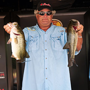 Local Kelly Pratt leads the B.A.S.S. Northern Open on the James River after day one with 16 pounds 6 ounces