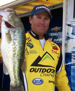 Professional angler Joe Thomas headlines the 2014 Ultimate Sport Show Grand Rapids bass seminar lineup on Saturday and Sunday with his Modern Bass Techniques from the Tournament Trail