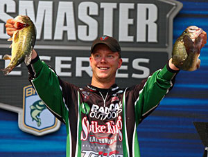 Kalamazoo Michigan Elite rookie Jonathon VanDam makes a big charge day three into 4th place after zeroing on day one with the big bass of the event at 5 pounds