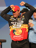 Michigan professional bass angler Kevin VanDam is not stranger to the Bassmaster Classic, here celebrating his triumph 2011 in Louisiana, Classic win number four