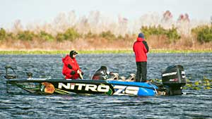 Knoxville Tennessee angler Ott Defoe leads the 2011 Elite rookies race after the 1st two Florida events