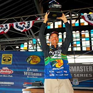 Ott DeFoe wins his first Bassmaster event in his rookie season by beating Edwin Evers by 5 ounces at the 2011 All-Star Championship