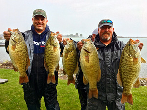 Scott Dobson and Kyle Greene break the Lake St. Clair smallmouth bass tournament limit with 5 bass weighing 30.31 pounds