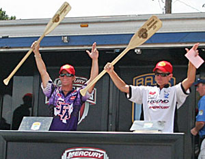 Stephen F Austin's team of Andrew Upshaw and Ryan Watkins won the Mercury College B.A.S.S. National Championship with 15-4 thanks to a last minute decision